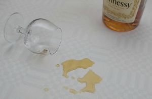 How to remove alcoholic drink stains from clothing, upholstery and carpet {on Stain Removal 101}